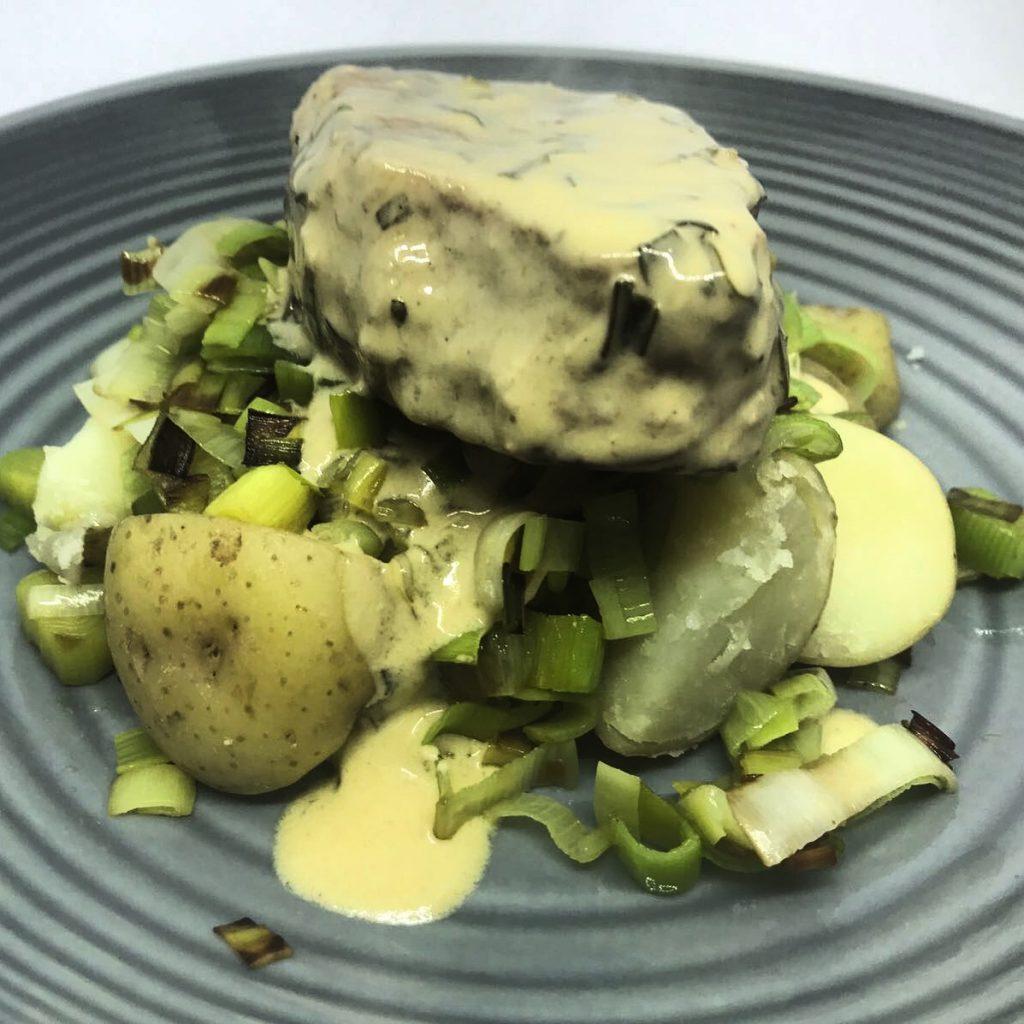 pork fillet with new potatoes and tarragon sauce